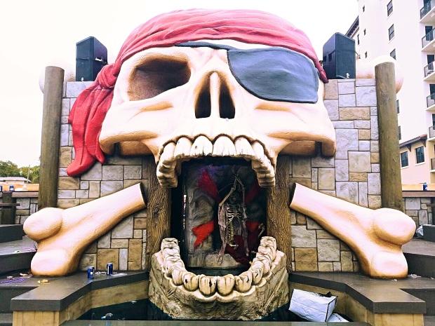 skull-float